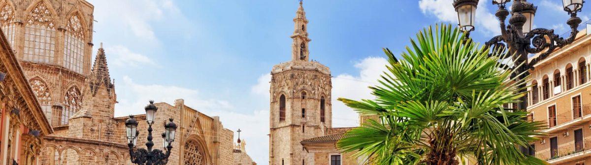 Altstadt Valencia iStock-519681737