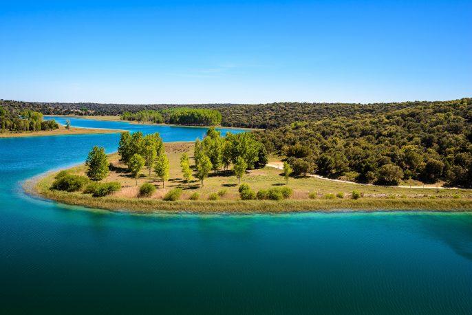 Conceja lagoon, Ruidera Natural Park, Castilla La Mancha (Spain)_511235014