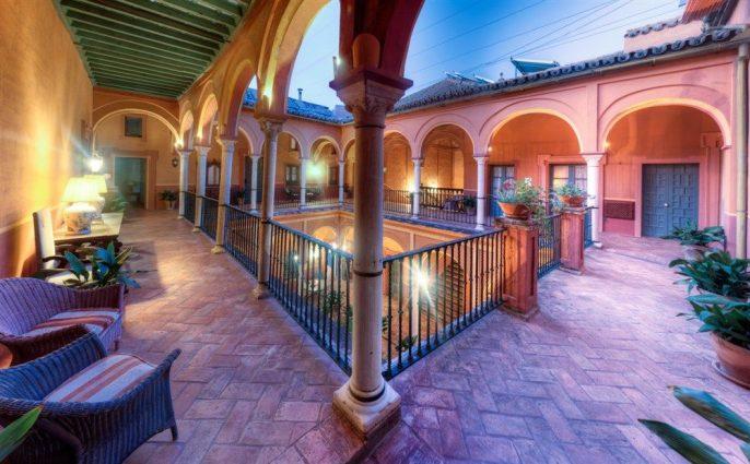 hotel-carmona1