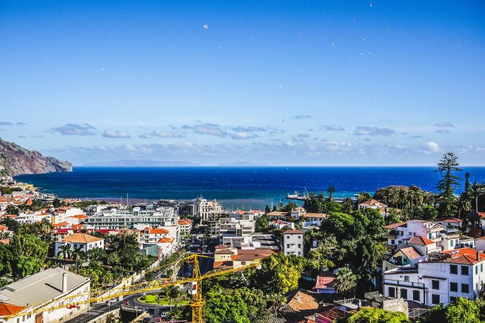 Funchal-Madeira-Portugal-iStock_000031762668_Large-2-Kopie
