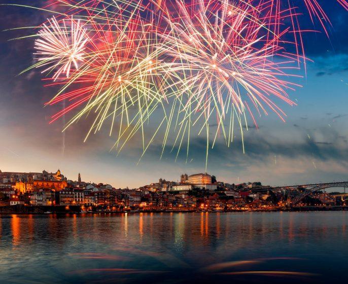 Porto-new-year-Portugal-Imagen-shutterstock_532192849