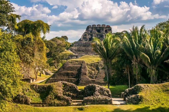 Xunantunich-Mayan-Ruins_Belize_Karibik_shutterstock_164718575