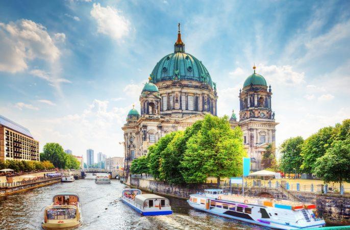 erlin-Cathedral.-German-Berliner-Dom.-A-famous-landmark-on-the-Museum-Island-in-Mitte-Berlin-Germany.-shutterstock_150264563