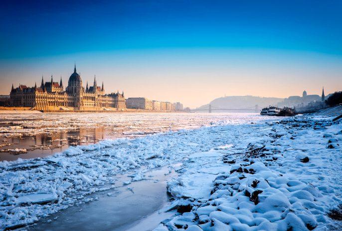 Budapest-Hungarian-parliament-iStock_000021155762_Large-2