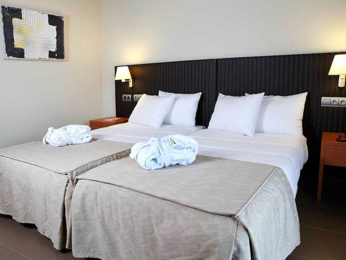 Hotel-Oca-Rocallaura1