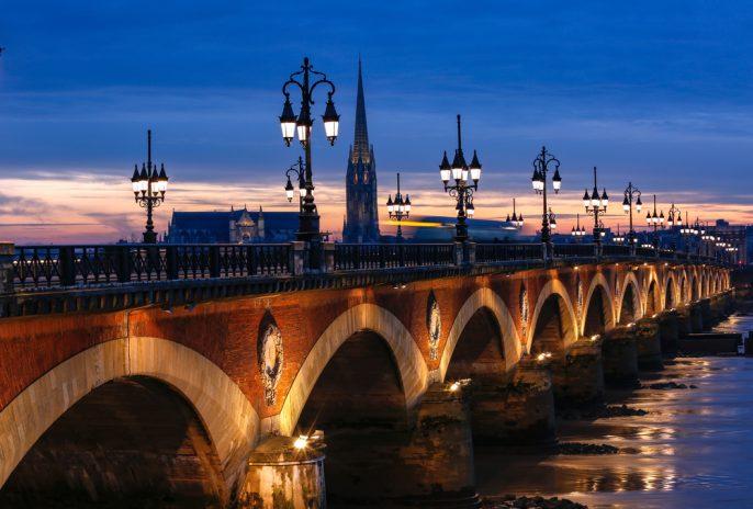 Bordeaux_555701776