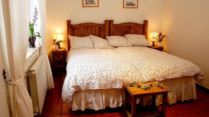 Hospederia-Las-Canadillas-991205_960_700_FSImage_0_Edit_Room