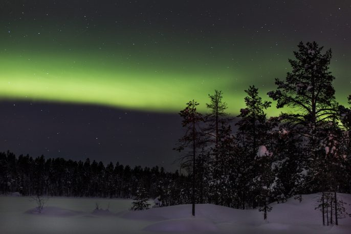 Finland-Aurora-Borealis-iStock_000023507920_Large
