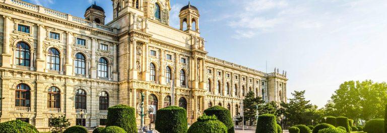 Wien-Castle-shutterstock_287595659-2