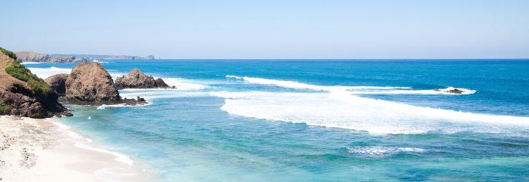 Kuta-Beach-Lombok-Indonesia_shutterstock_81152338