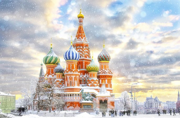 MoscowRussiaRed-squareview-of-St.-Basils-Cathedral-in-winter_511613911
