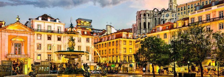 Rossio-square-in-Lisbon-Portugal-iStock_000069608703_Large-2
