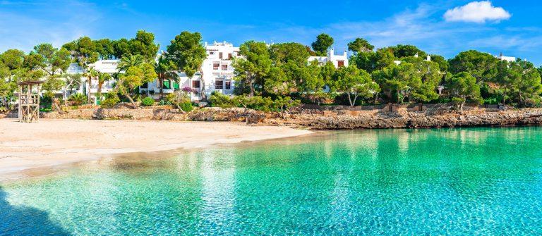 Cala-Gran-in-Cala-dOr-Mallorca-shutterstock_614620934-Copy