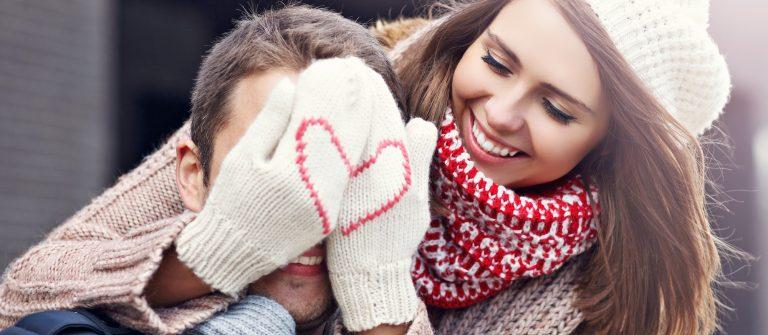 Happy-couple_515518624-x2000