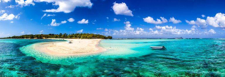 Mauritius-Beach-Reef-Majestic-Scenics-iStock_000064252115_Medium-2