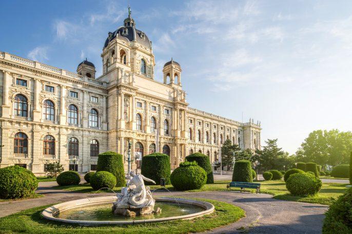 Wien Castle shutterstock_287595659