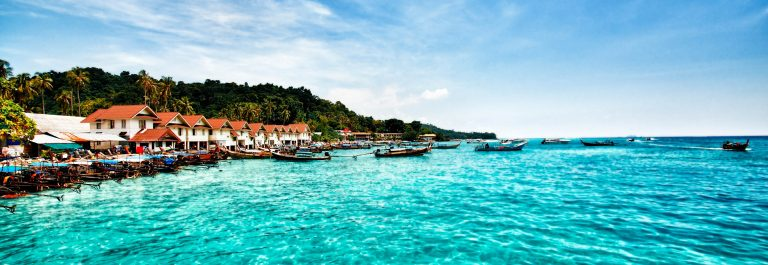 Phuket Thailand Phi-Phi Islands iStock_000021267610_Large-2
