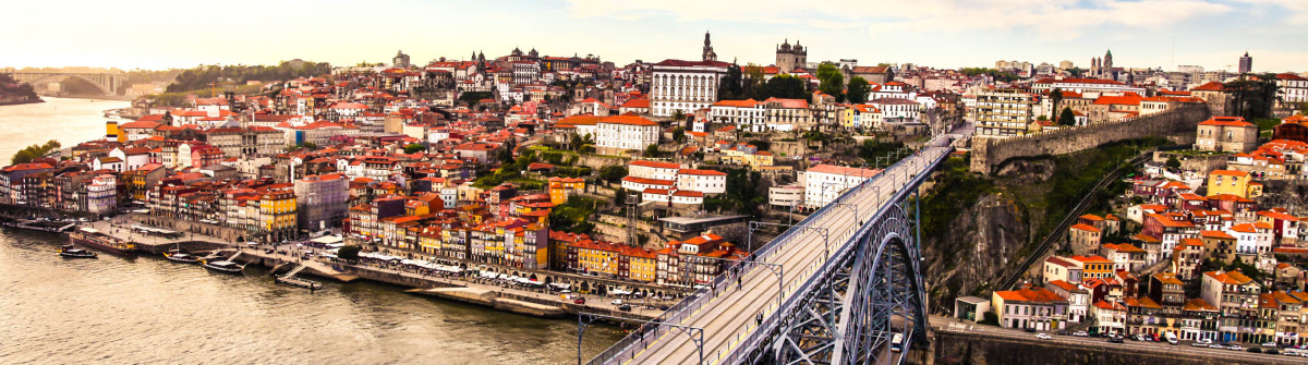 Porto and subway train iStock_000055188162_Large-2