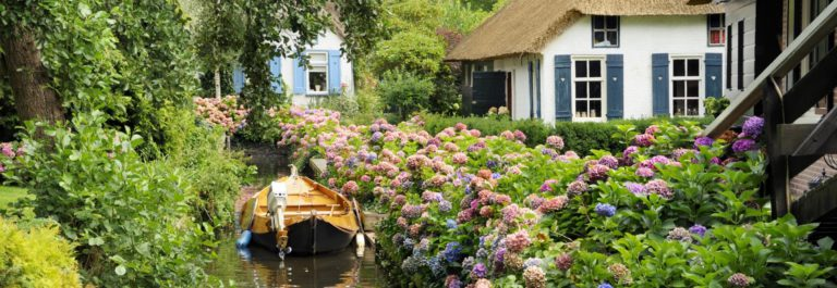 Historic Dutch houses Giethoorn Netherlands iStock_000010345326_Large