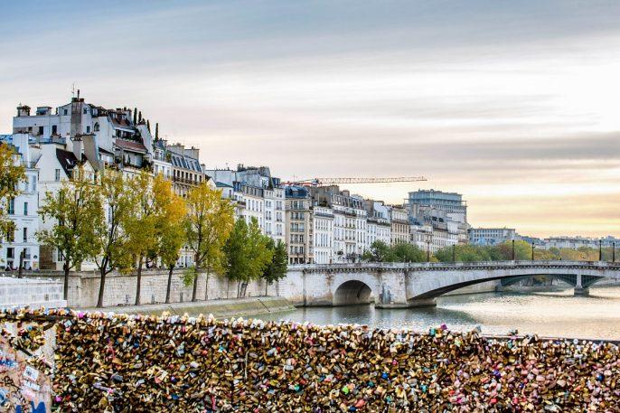 Paris bridge, Pont de L'Archeveque, looking east iStock_000086117271_Large EDITORIAL ONLY jeangill-2