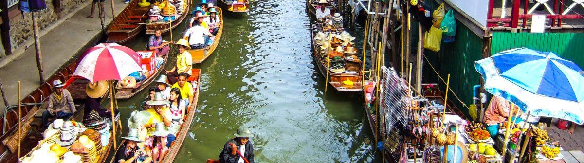 Traditional Thai floating market near Bangkok, Thailand shutterstock_5896183 EDITORIAL ONLY Amy Nichole Harris-2