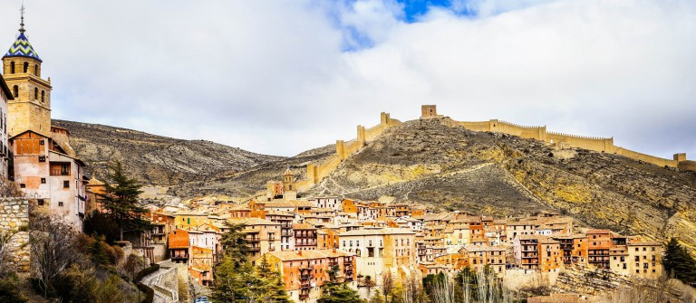 Albarracin – medieval terracotte village in Aragon, Spain shutterstock_265363280-2