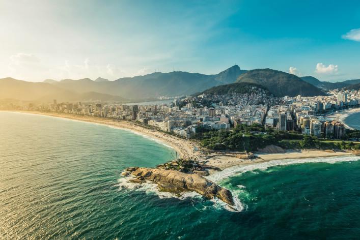 Arpoador penisula between Ipanema and Copacabana Beach