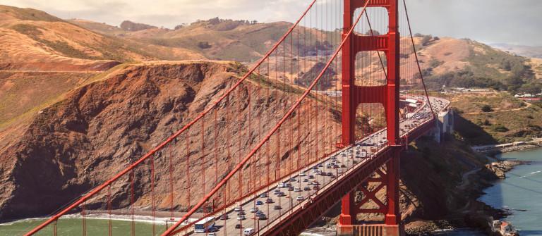 Luftaufnahme der Golden Gate Bridge iStock_000066868051_Large-2