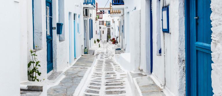Mykonos streetview, Greece shutterstock_271297691-2