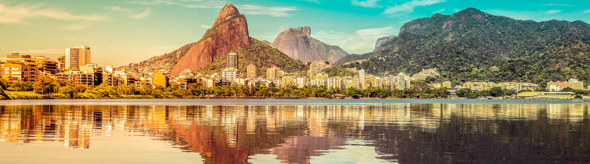 Water reflecting the sunrise at Sugarloaf Mount in Rio