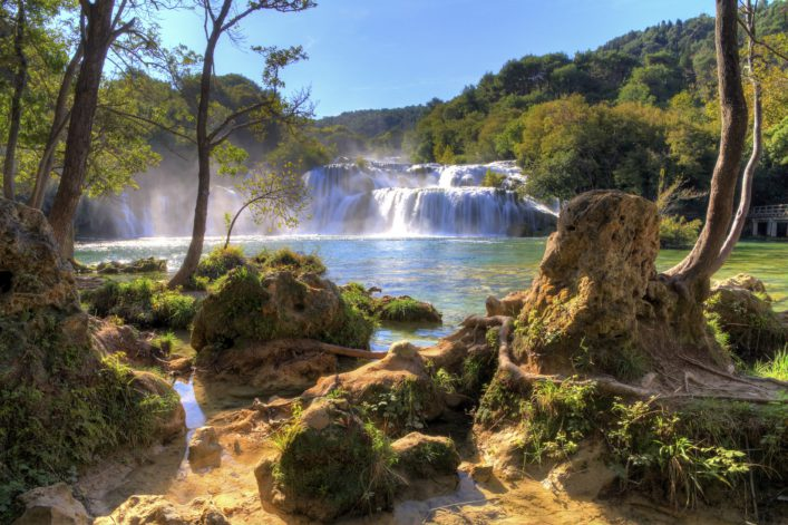 nationalpark-krka-waterfall-istock_000025096329_large