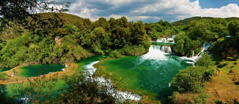 panoramic-hdr-photo-of-waterfalls-in-krka-national-park-in-croatia-_shutterstock_85606294