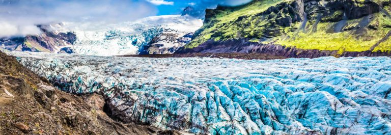 stunning-vatnajokull-glacier-and-mountains-in-iceland-shutterstock_369852974-2