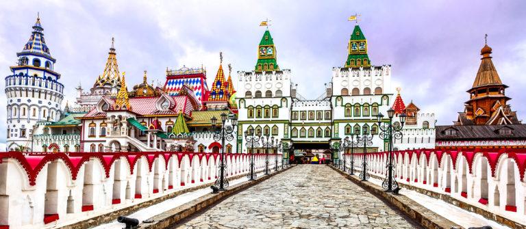 izmailovsky-kremlin-moscow-russia-shutterstock_114884893-2