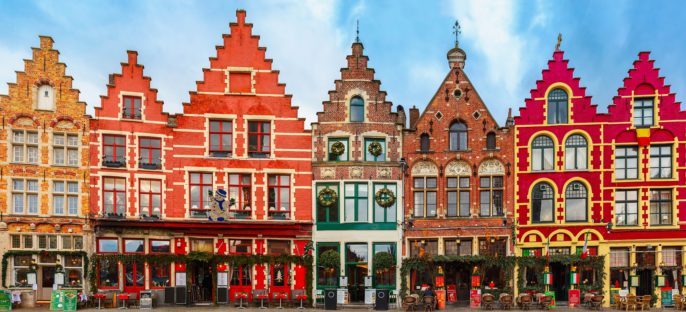 christmas-grote-markt-square-in-the-beautiful-medieval-city-brugge-at-morning-belgium-shutterstock_252891940-2