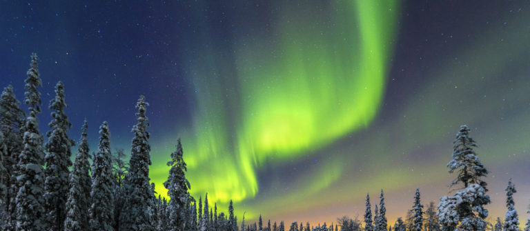 finland-aurora-borealis-istock_000023507920_medium