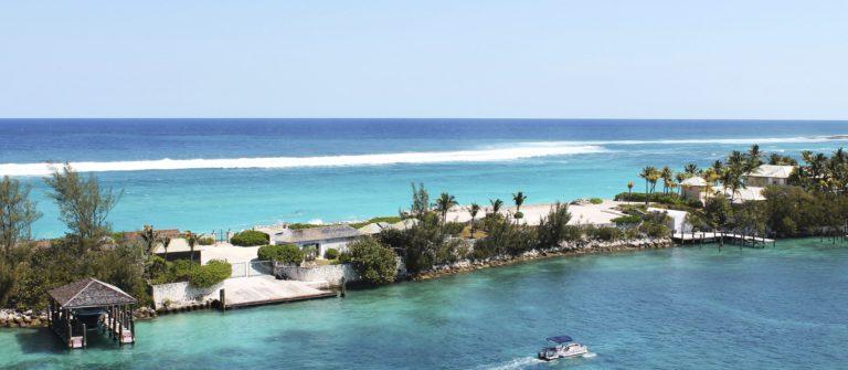 nassau-bahamas-istock_000047644962_large